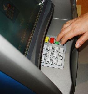 Podvody s bankomaty
