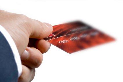 8 hlavních poplatků, které by vás měly zajímat při pořizování kreditní karty