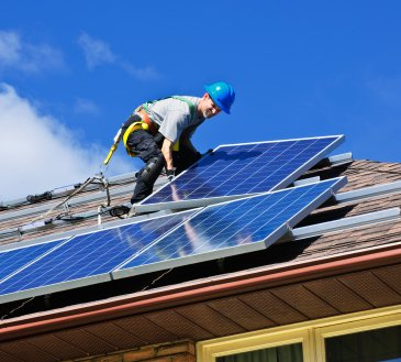 Ušetřete peníze pomocí solárních panelů na střeše